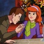 Dean da em cima da Daphne em teaser do crossover entre Supernatural e Scooby-Doo!