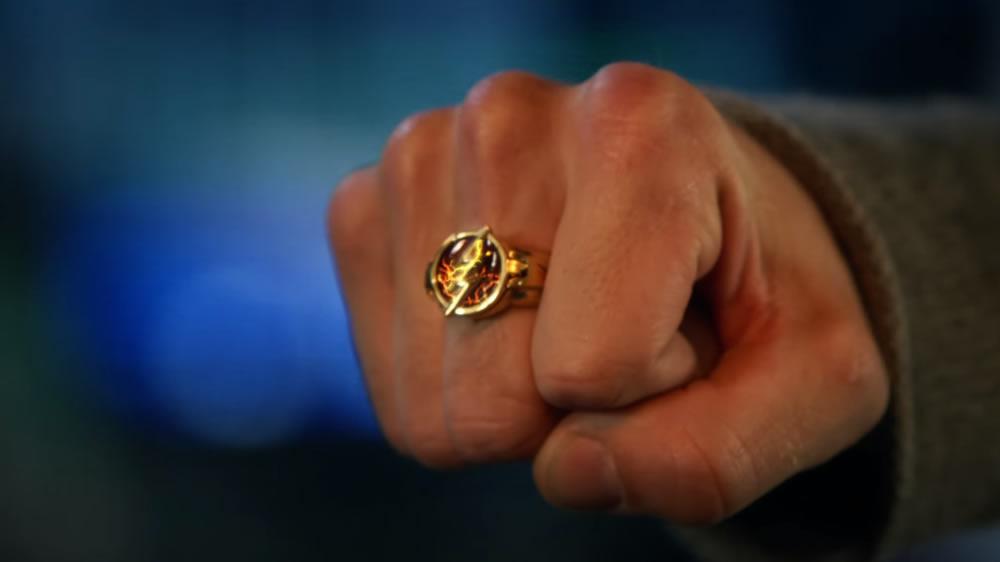 Trailer da quinta temporada de The Flash apresenta a filha e o anel do Barry Allen!