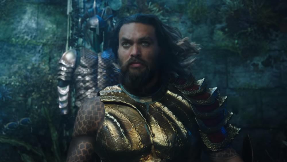 Nova imagem promocional do filme do Aquaman mostra o herói com o uniforme clássico!